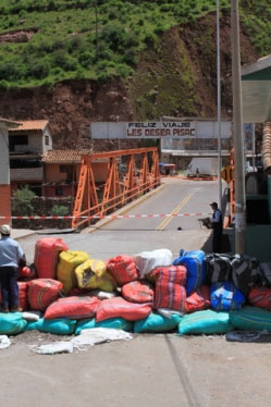 The Pisac bridge is closed due to flooding damage